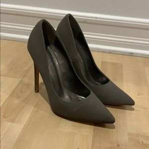 Gray Heels